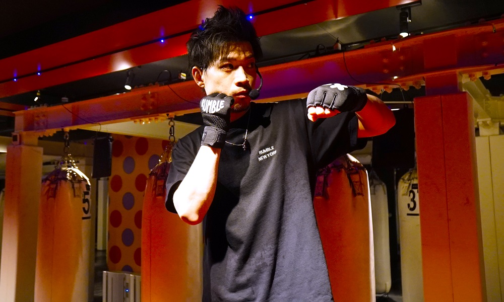 b-monsterパフォーマーの横顔yuuhi